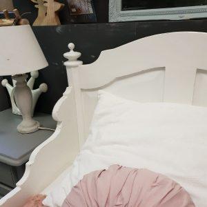 Brocante bed Fem