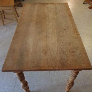 Oud grenen tafeltje Brest met lade