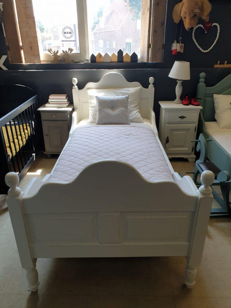Brocante bed Sam